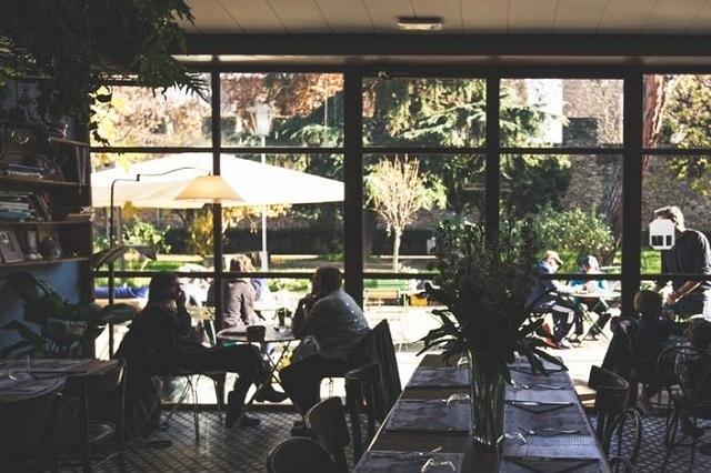 santarosa bistrot https://www.facebook.com/santarosa.bistrot/photos/a.1782110128702231.1073741829.1779811748932069/1869715969941646/?type=3&theater