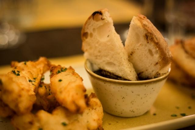 miniguida ricette di baccalà a roma dove mangiare sfizi di baccalà pizzeria ristorante al grottino roma san giovanni tonino vespa