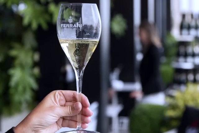 dove fare aperitivo con il vino a padova e dintorni