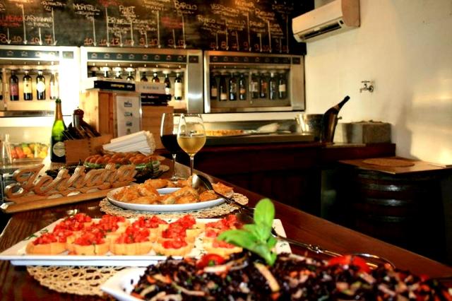 enoteca ferrara roma trastevere aperitivo in enoteca mescita buffet finger food