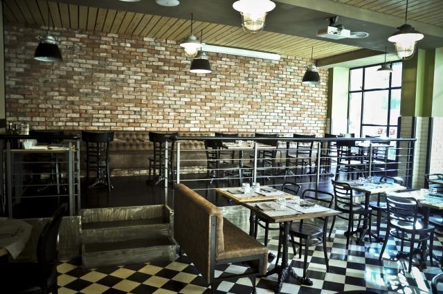 Guida ai ristoranti di roma per un primo appuntamento perfetto for Bar stile industriale