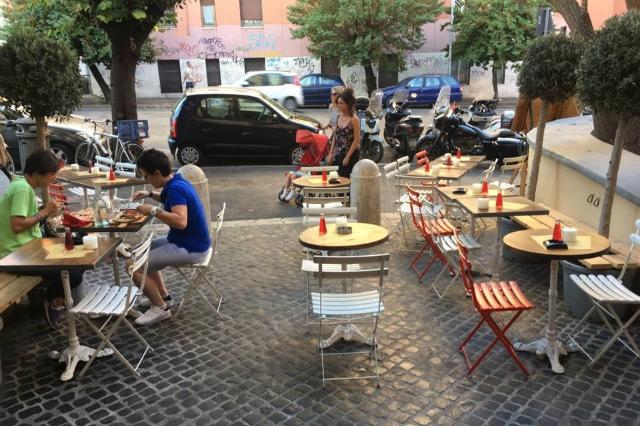 ferragosto a roma ristoranti locali aperti tira e molla san giovanni colazione pranzo aperitivo cena dopocena
