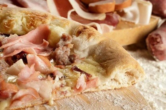 strapizzami pizza al taglio https://www.facebook.com/strapizzaminienonsolofirenze/photos/a.433712833461406.1073741826.433655310133825/433713123461377/?type=3&theater