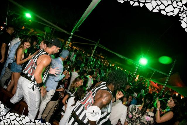 twiga beach club https://www.facebook.com/twigabeachclub/photos/a.10156509605278638.1073742391.215296668637/10156509619428638/?type=3&theater