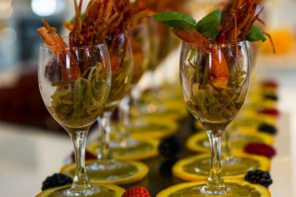 mo' mo' republic portuense aperitivo anni 30 giardino fashion buffet alla moda cocktail bar happy hour guida ai migliori aperitivi di roma quartiere per quartiere