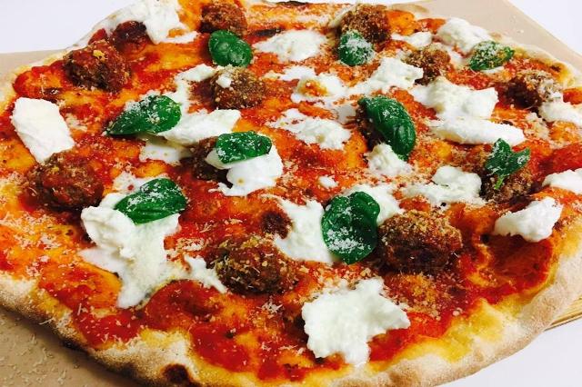 officine resta pizza con le polpette migliori polpette di roma speciale pizza portuense