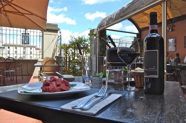 I locali con dehors a firenze per il pranzo l 39 aperitivo for Giardino orticoltura firenze aperitivo