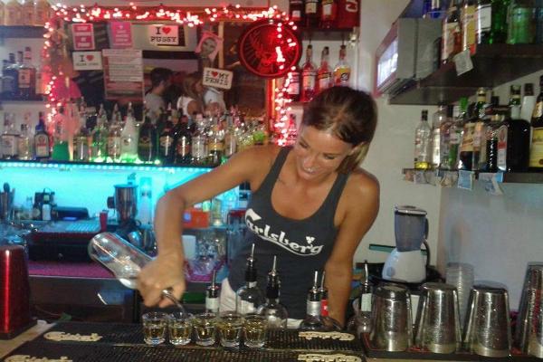 almalu trastevere assenzio shots shottini i migliori shots di roma bere drink in roma