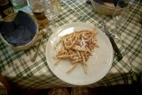 la pecora pazza ristorante cucina calabrese calabria peperoncino piccante 'nduja fileja ti piace piccante 5 piatti hot roma piazza porta maggiore