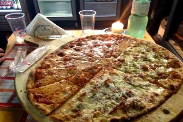 pizzeria da luca il campione ostia lido pizza alla pala romana bassa migliori pizzerie sul mare di roma cena fuori ristorante