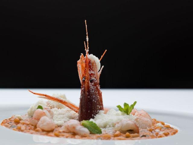 ristorante top esclusivo chic umami andria barletta bat foto da facebook https://www.facebook.com/umamiristorante/photos/a.1375793855968495.1073741824.1375793789301835/1701804673367410/?type=3&theater