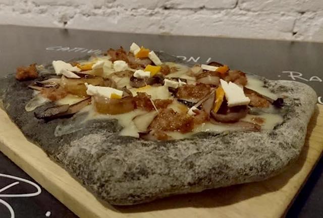 pizzaccia carbone padova mastika