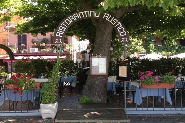 ristorantino rustico trevignano romano migliori ristoranti sul lago di bracciano fritto di pesce di lago giardino chalet pranzo cena romantico roma
