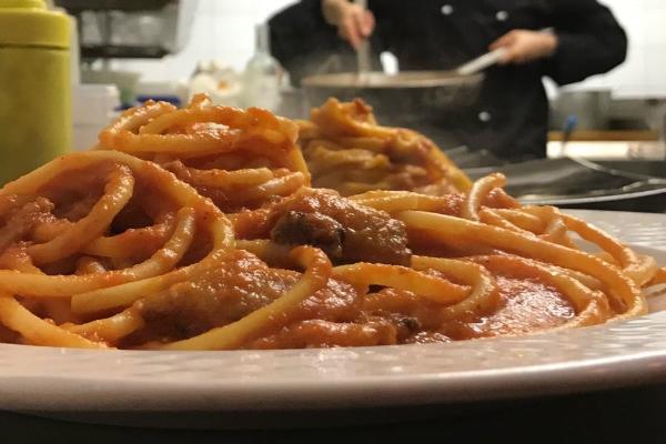 locanda giulietta e romeo amatriciana cucina romana ristorante romantico centro storico fontana di trevi roma