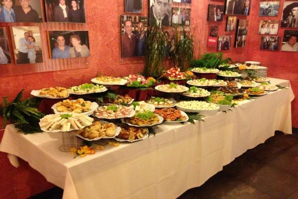 meo pinelli ristorante walk of fame tuscolana cinecittà divi del cinema italiano aperitivo buffet roma guida ai migliori aperitivi quartiere per quartiere quadraro