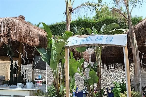 colazione mare spiaggia trani porto turismo trai 70 giardino dehors ristorante