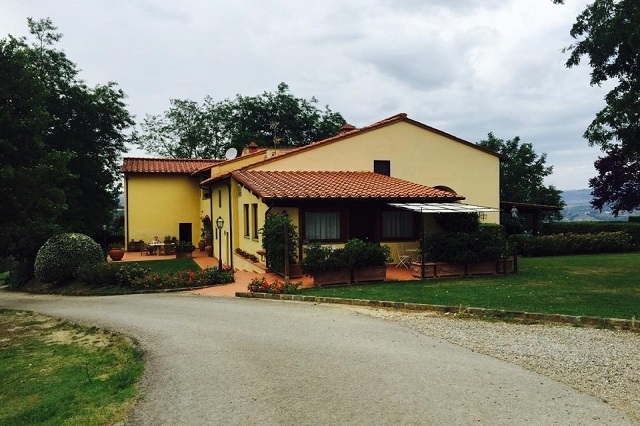 agriturismo petrognano https://www.facebook.com/204012809667027/photos/a.599642110104093.1073741828.204012809667027/811311712270464/?type=3&theater