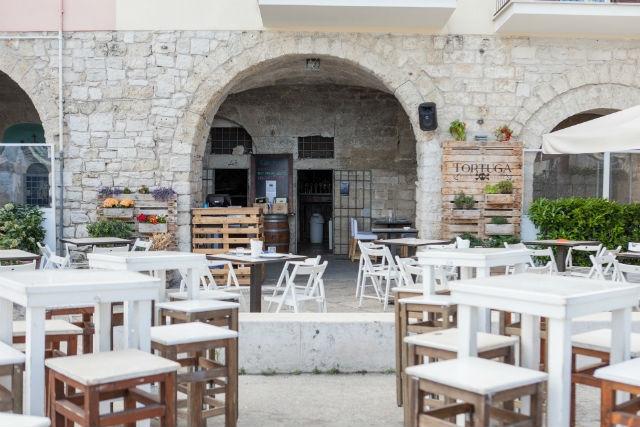ristorante pub american bar trani tortuga public house wine bar porto turistico