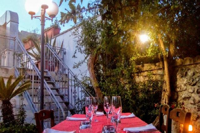 le tre forchette bagnolo salento giardino cena