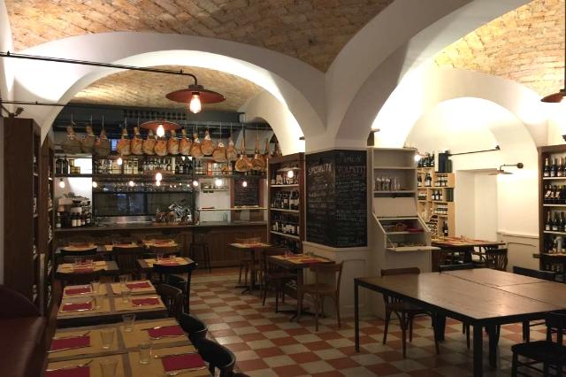 taverna volpetti roma testaccio salumeria norcineria miniguida migliori norcinerie di roma aperitivo ristorante cena salumi taglieri degustazione