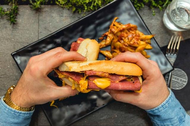 burger bar grill roma migliori brunch di primavera a roma burger american style centro storico