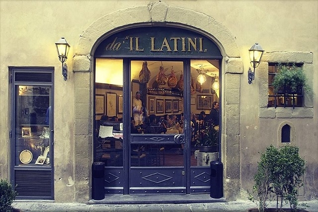 il latini https://www.facebook.com/illatini/photos/a.1064115670288612.1073741827.164026376964217/1216526338380877/?type=3&theater