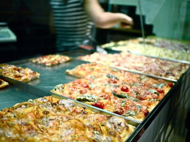 Dove mangiare la migliore pizza al taglio a roma - Pizzeria le finestre roma ...