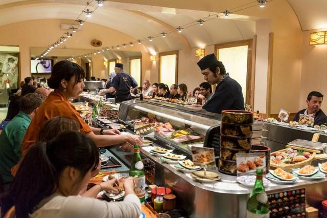 sushisen kaiten sushi migliori ristoranti giapponesi ostiense roma etnico cucina giapponese tavolo