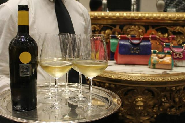 feudi di san gregorio vini cantina enoteca food hall rinascente tritone aperitivo vino pregiato gourmet terrazzo shopping