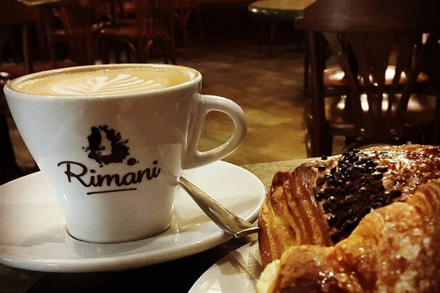 rimani https://www.facebook.com/rimani.firenze/photos/a.286378134724251.86107.182425135119552/1420885007940219/?type=3&theater