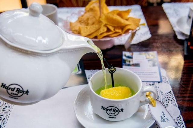 hard rock cafe roma tea cup cocktail list aperitivo happy hour