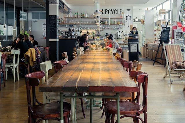 upcycle sala social table milano