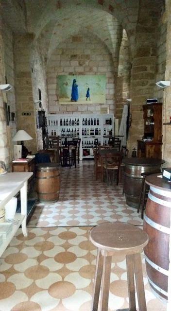 euphoria, wine bar, vino, brindisi