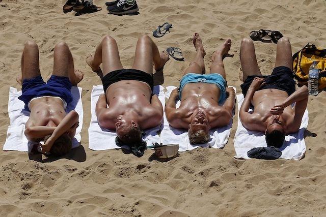 rimorchiare al mare ragazzi depilati