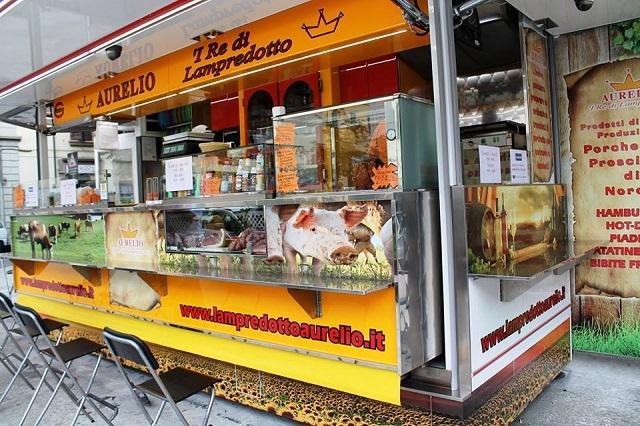 i 're de lampredotto piazza tanucci lampredotto facebook https://www.facebook.com/1531369543746921/photos/pb.1531369543746921.-2207520000.1444076922./1590501831167025/?type=3&theater