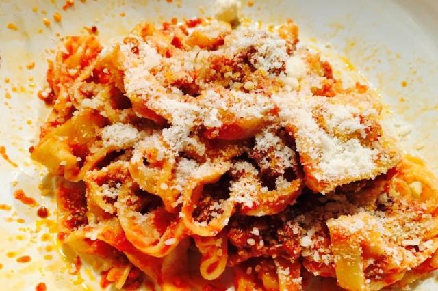 taverna cestia piramide pranzo in trattoria low cost prezzo fisso fettuccine sugo di coda rapporto qualità prezzo roma pranzo low cost
