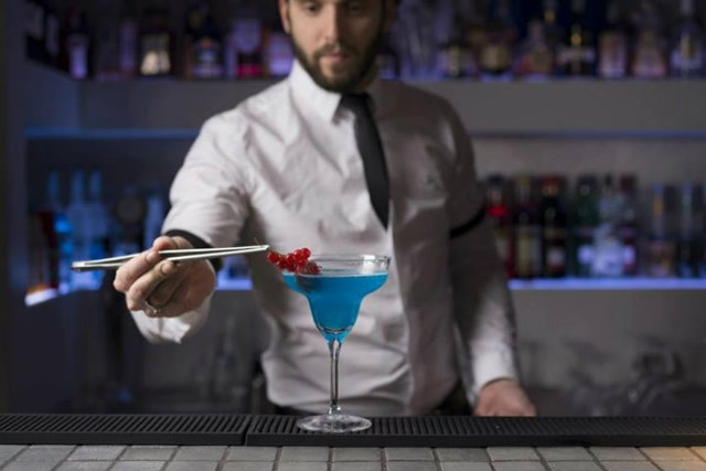 shari vari roma martini rimorchiare