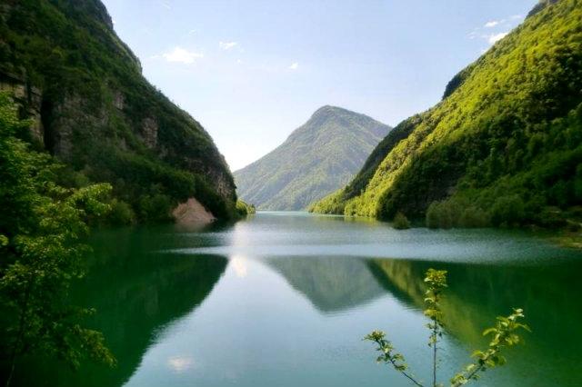 lago mis