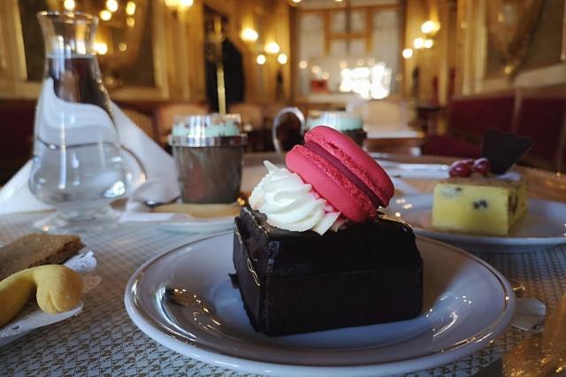 caffe florian piazza san marco venezia cioccolata casanova torta sacher torta ricotta esperienza