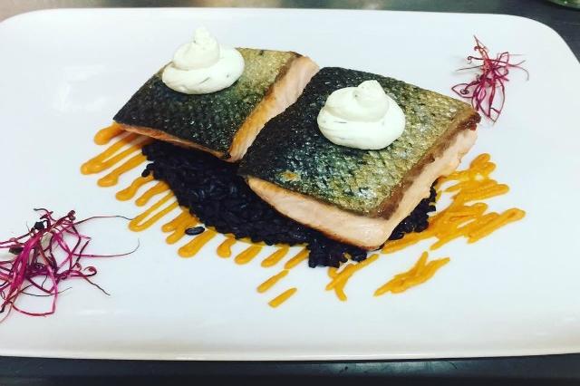 uve e forme pranzo al wine bar a roma dieta leggero pesce salmone al sale degustazione piazza bologna