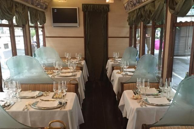 i locali più strani di milano http://www.tripadvisor.it/attraction_review-g187849-d1969079-reviews-tram_ristorante_atmosfera-milan_lombardy.html#photos