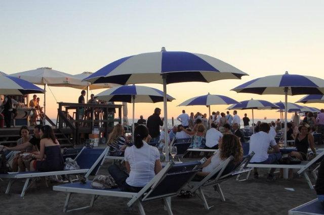 aperitivi spiaggia roma