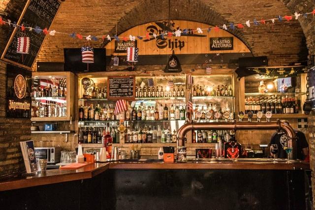 drunken ship pub american dopocena a campo de fiori roma birra party feste eventi fino a tardi centro storico bere a roma