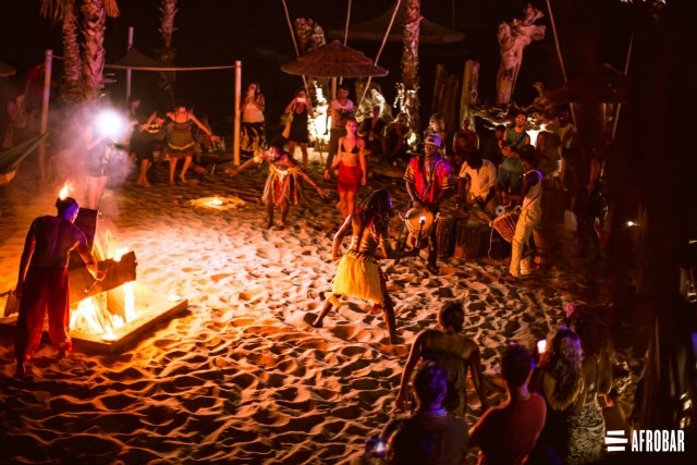 afrobar catania facebook https://www.facebook.com/afrobar.officialpage/photos/a.1366239153472734.1073741843.583243385105652/1366254223471227/?type=3&theater