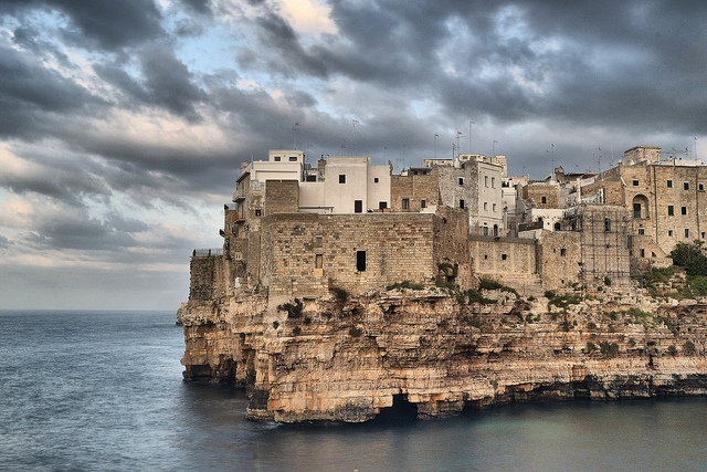 polignano https://www.flickr.com/photos/gaetano777/10185354045/in/photolist-gw3auv-9cs73b-9cs6th-ddgatt-9cs6xs-qgtxlh-cdxe8-9cs6nq-fnm6wu-kczz5-5ubgeh-r6dlcf-9cp1vi-9cs6ay-fnup6v-asucbn-fnm6cd-kcqy2-eqzaq-mrg53-fvzlxa-fr3lny-asudhs-58xhnm-defruy-cn36fo-5u6r3v-ddxqwz-b9h2dt-aj87au-5ubem5-4jvmga-4rdfyn-p7wue5-cinhy-frbxjw-bq6nv-4syqne-8rfihy-asryjk-58thup-8rfgg9-cwef2j-asuc4s-pzwzww-p7vb8d-9jijsm-asu8ss-dhvtqy-93m5y4