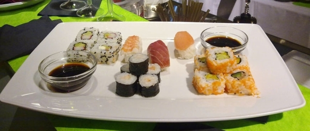 aperitivo, sushi, central bar, brindisi