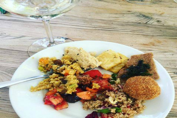 ketumbar testaccio fusion aperitivo indiano pakistano vegetariano cous cous insalate vini biodinamici migliori aperitivi etnici a roma
