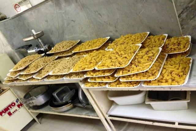 pastificio guerra dove mangiare la pasta fatta in casa a roma pranzo centro storico piazza di spagna