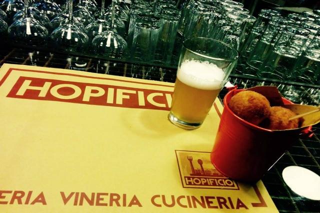hopificio aperitivo birra a roma happy hour birra artigianale sfizi fritti alberone san giovanni