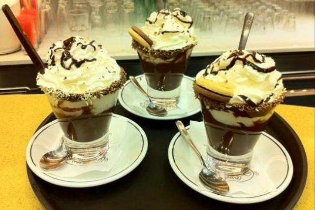 scopri dove gustare un'ottima cioccolata calda a napoli